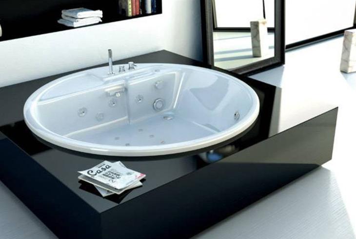 Круглые акриловые ванны